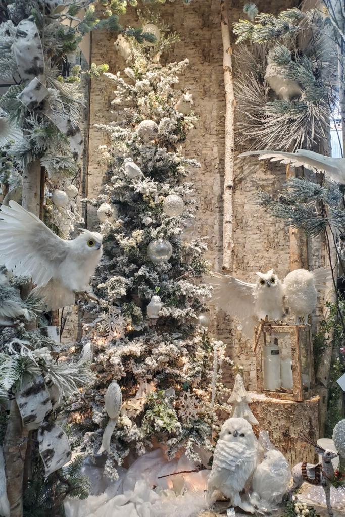 Flocked bird tree