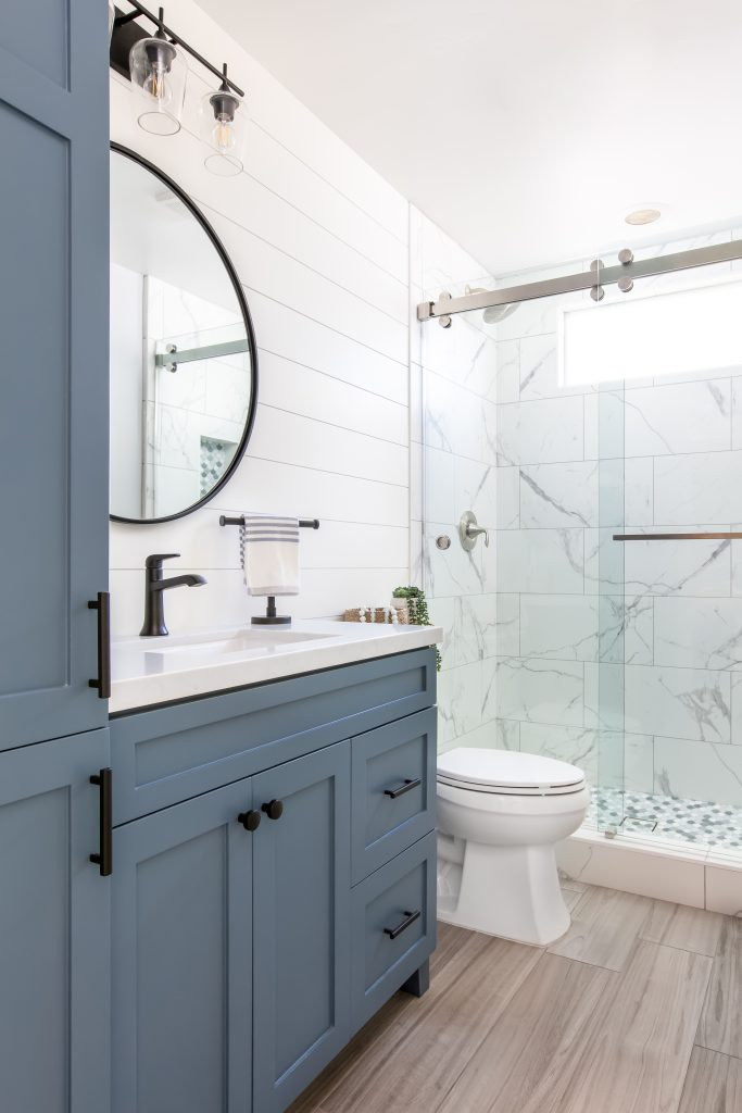 Modern Coastal Farmhouse Bathroom Ideas