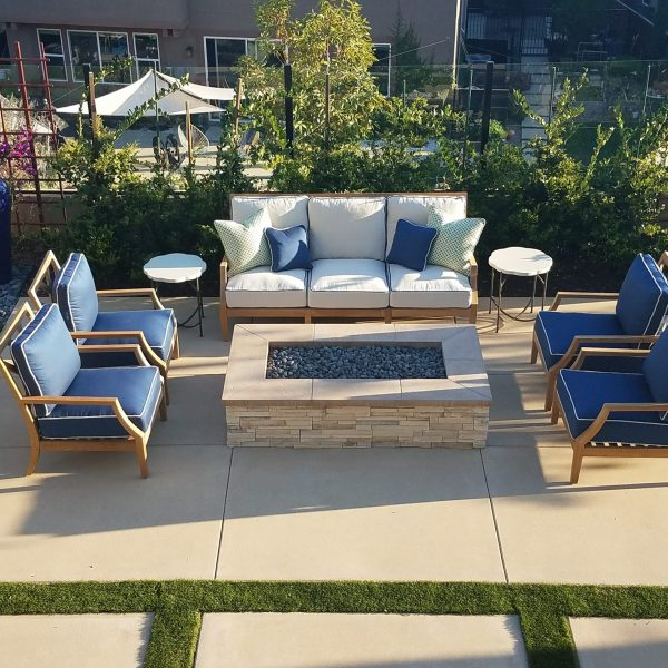 Outdoor sitting area-Design by Sally Soricelli, Nestorations